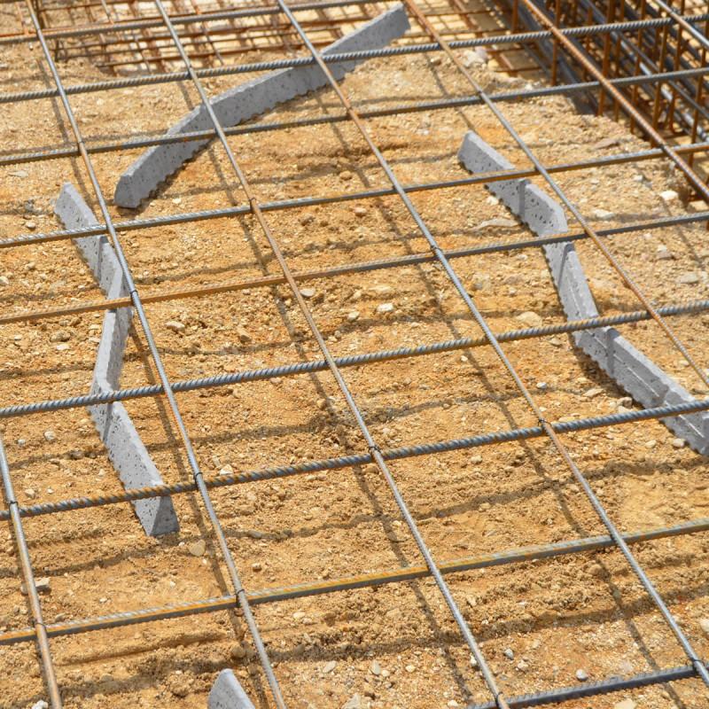 Cale b ton trap ze zigzag enrobage 40 mm lg 800 mm for Regle plastique pour dalle
